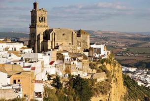 Ruta de los pueblos blancos de Andalucía en coche de alquiler