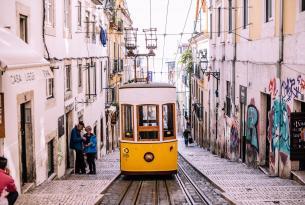 Sonidos de tranvía en grupo, Lisboa