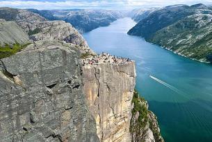 Paisajes de Noruega a tu aire con  excursión al Púlpito (Preikestolen)