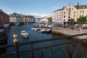 Fiordos de Noruega de norte a sur a tu aire en coche de alquiler