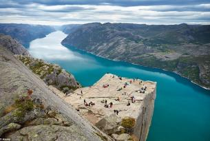 Aventura en los fiordos a tu aire: Bergen, tren de Flam y Stavanger.