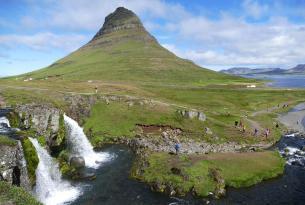 Invierno en Islandia con Auroras Boreales