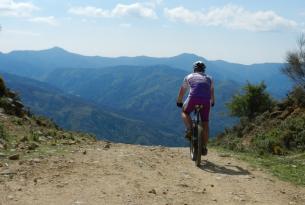 La Sacacorchos: Parques Naturales de Los Alcornocales y Grazalema en BTT