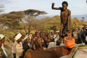 Etiopía -  El Sur. Las etnias del valle del Omo - Opción ruta histórica. 11, 16 ó 17 días.