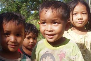 Laos  -  Tribus del norte, navegación por el Nam Ou y el sur - Salidas de Mayo a Noviembre