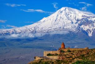 Armenia en grupo en Semana Santa