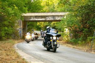 Viaje en moto Ruta 66 Harley, con guía en inglés o español.