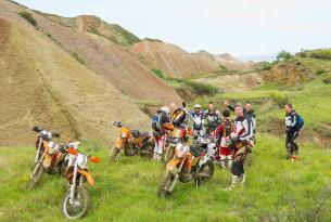 Viaje en moto enduro Georgia Ruta de las montañas 7 días 5 en moto KTM 450 cc