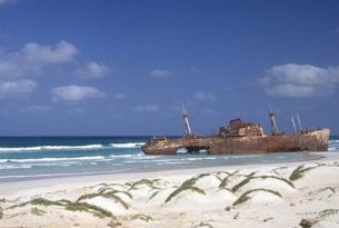 Isla de Sal, Cabo Verde en verano Hotel Salinas Sea 5* AD (salidas desde Madrid)