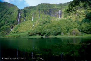 Islas Azores: Semana Santa en Terceira con 3 excursiones (vuelo directo desde Madrid)