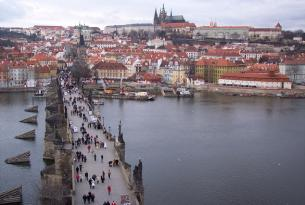 Praga a tu aire en Semana Santa (4 noches)
