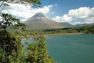 Costa Rica con volcanes y Tortuguero (salidas desde Madrid)