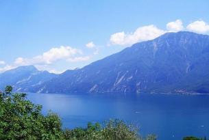 Suiza, Selva Negra (Alemania) y los lagos del norte de Italia en grupo (exclusivo singles)