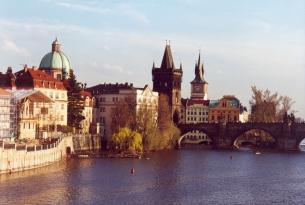 Puente de Todos los Santos en Praga desde Valencia