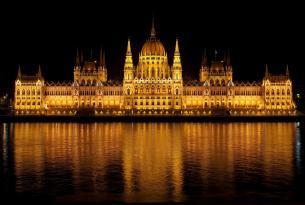 Descubre Budapest en el puente del Pilar