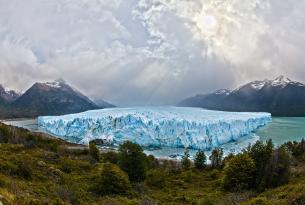 Puente diciembre en la primavera de la Patagonia Argentina